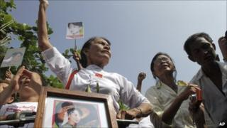 Supporters of Aung San Suu Kyi in Rangoon