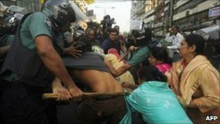 Bangladeshi police clash with BNP supporters