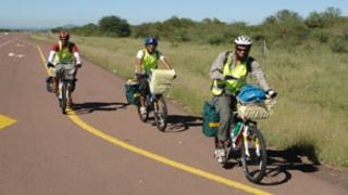 South Africans cycle from Cape Town to Mecca