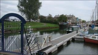 Thames and Medway Canal Basin