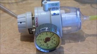 Wall-mounted suction equipment