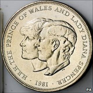 Royal Mint commemorative £5 coin for the marriage of the Prince of Wales and Lady Diana Spencer