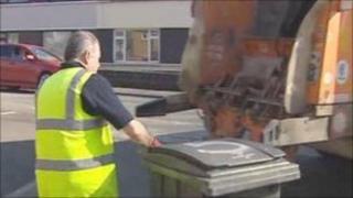 Dustbin lorry worker