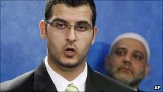 Muneer Awad (left) (4 November 2010)
