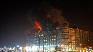 Taj Mahal hotel under attacks in Mumbai (26 Nov 2008)