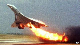 Concorde on fire as it leaves Charles de Gaulle airport, Paris (July 2000)