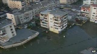 Flooded streets in Shkodra, Albania (6 Dec 2010)