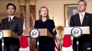From left to right: Japanese Foreign Minister Seiji Maehara, US Secretary of State Hillary Clinton and South Korean Foreign Minister Kim Sung-hwan in Washington