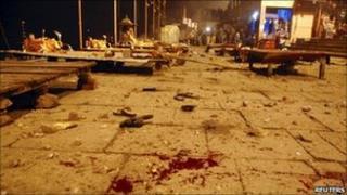 Aftermath of the explosion in Varanasi (7 December 2010)