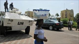 UN armoured vehicle guards Alassane Ouattara at hotel in Abidjan