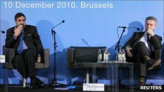 Indian Trade and Industry Minister Anand Sharma (left) and EU trade chief Karel De Gucht sit together at the summit in Brussels, 10 December
