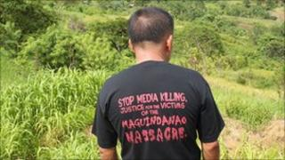 A journalist at the site of the Maguindanao massacre