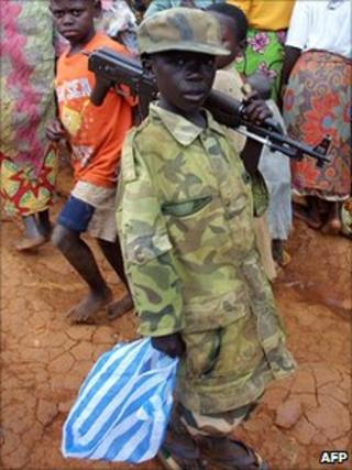 Child soldier in DR Congo in 2003