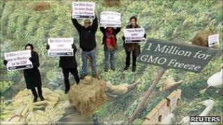 Greenpeace activists, 9 Dec 10