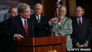 US Sen. Kit Bond (second left) speaks during a press conference on the Start treaty as Senators George Lemieux (left), Orrin Hatch (centre), Pat Roberts (second right) and Lamar Alexander (right) listen at the U.S. Capitol, Washington DC, 15 December 2010