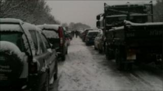 Andy Myatt's picture of cars on the A34 at Botley