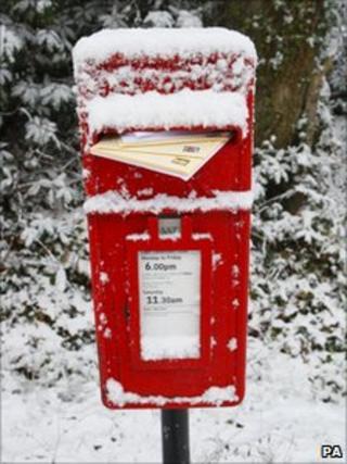 Post box near Emsworth, Hampshire