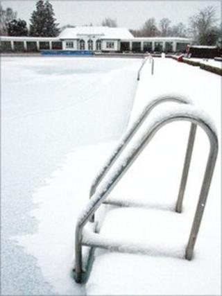 Snow at Sandford Parks Lido in Cheltenham