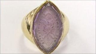 Moderator's ring