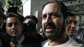 Suresh Kalmadi outside his Delhi home on 24 December 2010