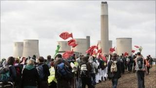 Climate protesters at Ratcliffe station