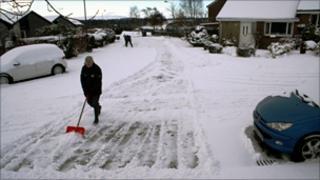 Snow on road/Pic: Duncan Kirkhope