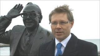 David Morris MP and Eric Morecambe statue