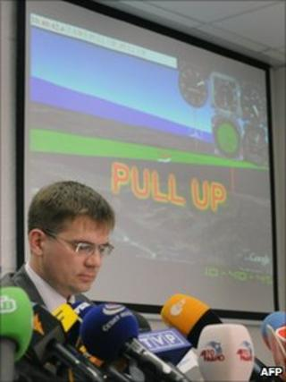 Russian investigator Alexei Morozov takes reporters in Moscow through the doomed airliner's final minutes, 12 January