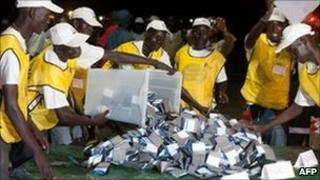 Election officials empty ballot boxes in Juba. Photo: 15 January 2011