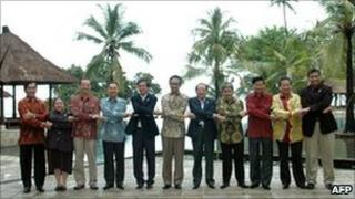 Indonesian foreign ministry foto of Asean foreign ministers, Lombok, Indonesia 16 Jan 2011