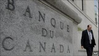 Man walks away from Bank of Canada