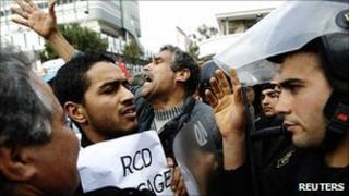 Protesters confront police in Tunis. 19 Jan 2011