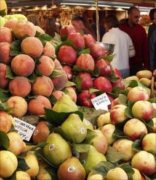 Fruit at a market (Image: BBC)