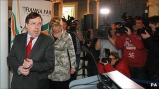 Brian Cowen announces he will step down as Fianna Fail leader, 22 Jan