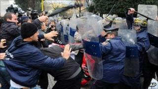 Protesters clash with police in Tirana, 21 January 2011