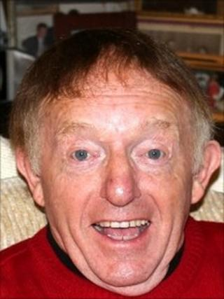 Paul Daniels with wig