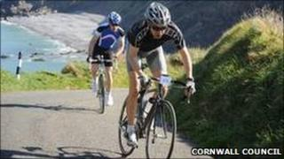 Cyclists on Millook hill near Bude