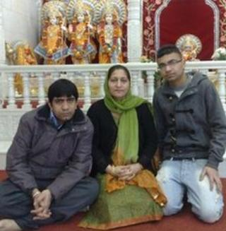 Arti Kumar with two sons