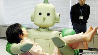 Nursing robot 'Ri-Man'