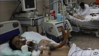 Injured protesters at a hospital in the Libyan city of Benghazi (24 February 2011)