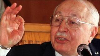 Necmettin Erbakan (file photo from 1998)