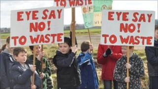 'Eye Say No to Waste' banners
