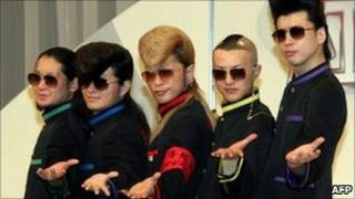 Kishidan boy band, Tokyo, 2004
