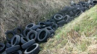 Tyres dumped at Swaton