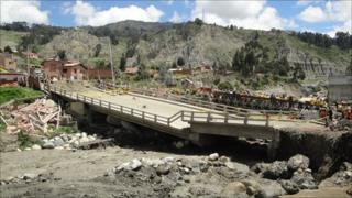 Borken bridge in La Paz neighbourhood