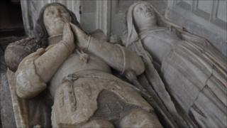 John de la Pole tomb, Wingfield church