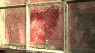 Broken window, Annpurna, Liskeard