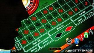Online gaming screen