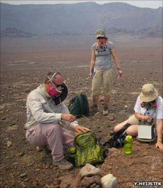 An Earthwatch team at work in the Masaya Crater, Nicaragua (Image: Yoka Heijstek)