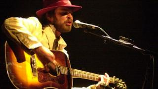 Gaz Coombes playing at The Oxford Playhouse in 2005
